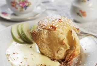 Bratapfel (Baked Apple) by Chef Kurt Wagner, Gasthaus Gutenberger